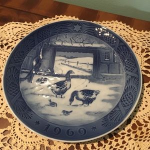 "Royal Copenhagen ""Old Farm"" 1969 Collector Plate"